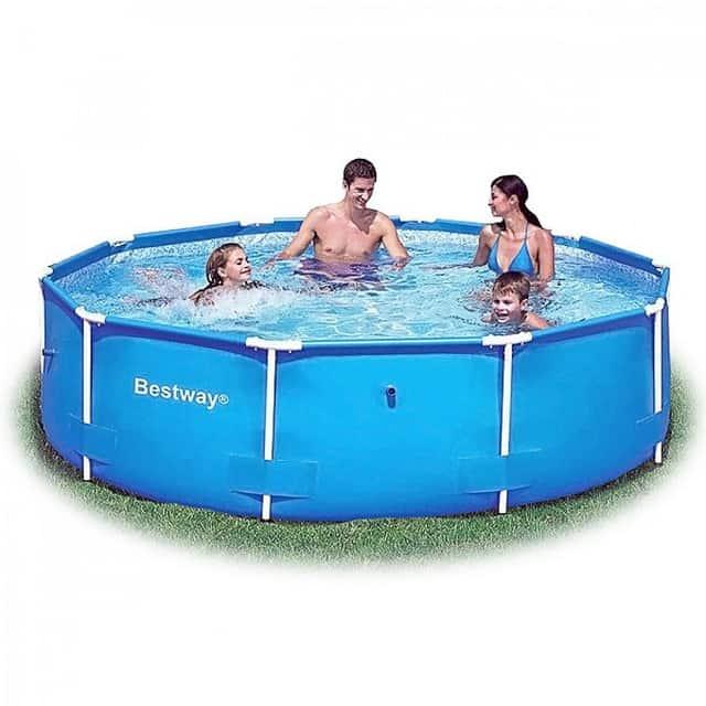 A saját fémvázas medence páratlan kényelme