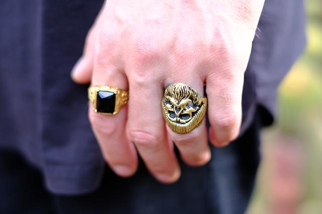 A férfi pecsétgyűrűhöz stílus kell